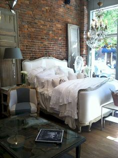Gorgeous 40 Farmhouse Bedroom with Brick Wall Decoration Ideas https://decorapatio.com/2017/08/21/40-farmhouse-bedroom-brick-wall-decoration-ideas/