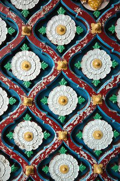 Door details, Raj Mahal (City Palace) Kota, The Hadoti Region, Rajasthan, India by Pavan Gupta Surface Pattern, Pattern Art, Surface Design, Pattern Design, Indian Patterns, Textures Patterns, Print Patterns, Palette Pastel, Palette Design