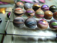 Amy Bee Designs:  Striped bead tutorial