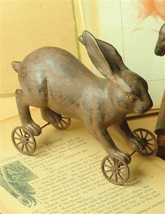 PRIMITIVE PULL-TOY (RABBIT)