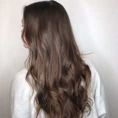 Subtle Brown Highlights - Aveda Hair Color - Tangerine Salon Subtle Brown Highlights - Aveda H Brown Hair Cuts, Brown Hair Shades, Brown Ombre Hair, Brown Hair Balayage, Brown Hair Looks, Light Brown Hair, Dark Hair, Cool Brown Hair, Cabello Color Chocolate