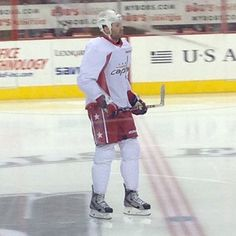 Recently acquired Caps forward Dustin Penner at his first Caps practice.