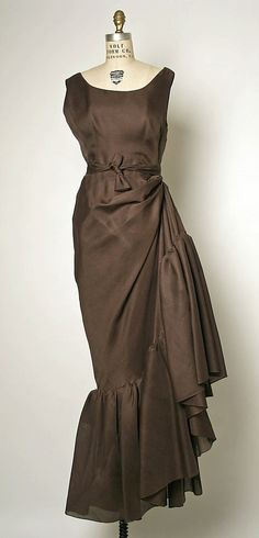 Evening Dress, Evening Gown, Splendid Evening Dress Design, Fashion Designer, Evening Dress Designer, Miracle Gown    House of Balenciaga (French, founded 1937)  Designer: Cristobal Balenciaga (Spanish, 1895–1972) Date: 1963–67 Culture: French Medium: silk
