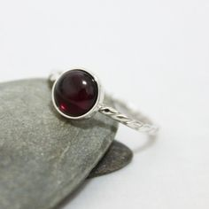 8mm Garnet Twist Ring/ Garnet Cabochon Gemstone Ring/ by rosajuri
