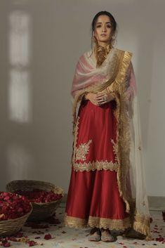 Pakistani Couture, Pakistani Dress Design, Pakistani Outfits, Pakistani Bridal, Indian Bridal, Designer Party Wear Dresses, Indian Designer Outfits, Indian Wedding Outfits, Indian Outfits