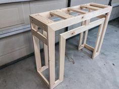 DIY Ballard Designs-inspired Console Table - love Ballard Designs, but don't love the price? Build your own console table and save hundreds of dollars! Woodworking Table Saw, Easy Woodworking Ideas, Woodworking Tools For Sale, Woodworking Furniture, Woodworking Plans, Woodworking Articles, Youtube Woodworking, Table Saw Fence, A Table