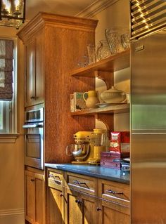 Butlers Pantry -- Quarter Sawn White Oak Kitchen Cabinets -- CCS Woodworks Inc., ccswoodworks.net