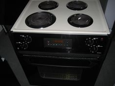 Appliance City   GE 27 INCH DROP IN ELECTRIC RANGE SELF CLEAN COIL BURNERS  3 SMALL