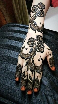 10 Best Mehndi Designs Name List Which are in Trend of 2018