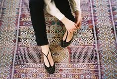 Bow T-strap Shoes Patent T-strap Shoes Low T-strap Heels T-strap Sandals Thick T-strap Shoes Brogue T-strap Pumps Thin T-Strap Heels Crazy Shoes, Me Too Shoes, Pumps, Heels, Define Fashion, Mode Shoes, T Strap Flats, Shoe Boots, Shoe Bag