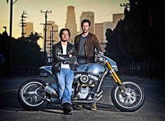 Excursion sur la moto de Keanu Reeves http://journalduluxe.fr/moto-keanu-reeves/
