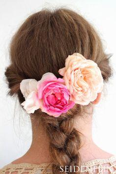 seidenfein 's Dekoblog : Rosen - Zopf Dekoblog, Fashion, Turbans, Headpieces, Pigtail, Silk, Clothes, Moda, Fashion Styles