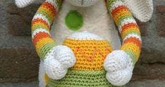 Ik heb de lente in mijn bol... na al die sneeuw en regen van de afgelopen tijd heb ik zin in iets vrolijks! Het is een schaapje... Fingerless Gloves, Arm Warmers, Crochet, Rain, Mittens, Crochet Hooks, Cuffs, Fingerless Mitts, Fingerless Mittens
