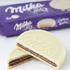 Chocolate Milka, Chocolate Wafers, I Love Chocolate, Chocolate Art, Chocolate Covered, White Chocolate, Chocolates, Junk Food Snacks, Tumblr Food