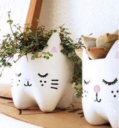 Adorable cat pot holder from plastic bottles // Macska / cica kaspó műanyag (pet) palackokból // Mindy - craft tutorial collection // #crafts #DIY #craftTutorial #tutorial #KidsRoomDecor #DIYKidsRoomDecor