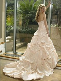 2012 Spring Style Ball Gown Sweetheart  Beading  Sleeveless Court Trains Taffeta White Wedding Dress For Brides