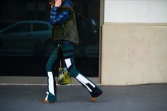 On the Streets of Paris Fashion Week Fall 2015 - Paris Fashion Week Fall 2015 Street Style Day 1Paris Fashion Week Fall 2015 Street Style Day 1-Wmag