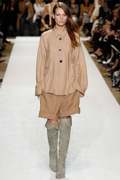 Chloé Fall 2014 Ready-to-Wear Collection Slideshow on Style.com