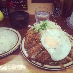 [2014/09/09]    本日のでなー    チキンカツ しょうが焼 ライス ¥700    ボリュームありすぎぃー(*´罒`*)ニヒヒ♡