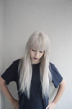 http://cassieeatsyou.tumblr.com/post/93040644498/wussup-y0 platinum hair cassieeatsyou grunge girl tumblr silver hair white haite long hair