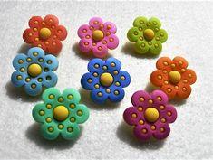 Shank Back /& Sew Thru Flower Buttons Bright Blossoms Dress It Up Jesse James