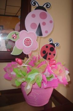Its a baby girl Birthday Party Centerpieces, Birthday Parties, Ben E Holly, Mesas Para Baby Shower, Ladybug Party, Bday Girl, Baby Party, Baby Decor, Shower Party