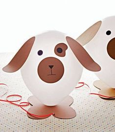 "Puppy Love Birthday Party - See Spot Party Craft: Helium allows these balloon pooches to ""walk"" behind their owners. Dog Themed Parties, Puppy Birthday Parties, Puppy Party, Dog Birthday, Birthday Party Themes, 21st Party, Birthday Ideas, Drunk Party, Fete Anne"