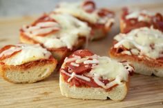 Mozzarella and Pepperoni French Bread Pizzas with Italian bread, tomato sauce, garlic, mozzarella, pepperoni and crushed red pepper.