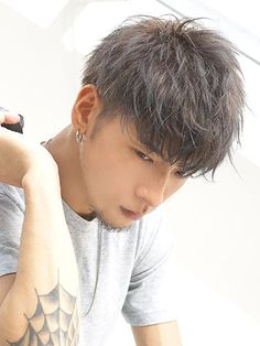 41 Most Popular Korean Hairstyle For Men - Trendfashioner Summer Haircuts, Haircuts For Long Hair, Haircuts With Bangs, Girl Haircuts, Hairstyles Haircuts, Haircuts For Men, Summer Hairstyles, Korean Men Hairstyle, My Hairstyle