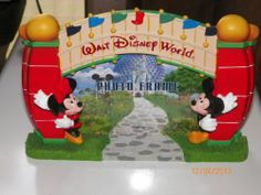 Walt Disney World Picture Photo Frame- Entrance Gate with Mickey & Minnie