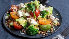 "Recipe ""Broccoli and Lentil Salad"" NDR. Sweet Potato Chili, Sweet Potato Noodles, Seafood Recipes, Cooking Recipes, Seafood Meals, Peanut Curry, Healthy Drinks, Healthy Recipes, Lentil Salad"