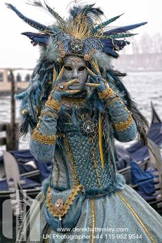 Carnival in Venice Venetian Costumes, Venice Carnival Costumes, Mardi Gras Carnival, Venetian Carnival Masks, Carnival Of Venice, Masquerade Costumes, Venetian Masquerade, Masquerade Ball, Venice Carnivale