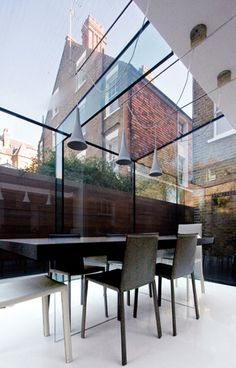 Glass wall and roof with glass structural elements