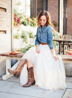 Chiffon ballerina skirt, denim shirt, cowboy boots, braided belt Dress With Boots, Skirts With Boots, Country Style Wedding Dresses, Denim Wedding Dresses, Tulle Wedding Skirt, Western Wedding Dresses, Wedding Outfits, Simple Country Wedding Dresses, Tulle Dress