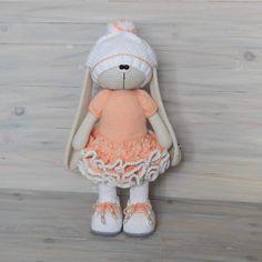 Crochet Bunny, Crochet Dolls, Crochet Hats, Christmas Tree Ornaments, Free Pattern, Crochet Patterns, Teddy Bear, Owl Hat, Animals