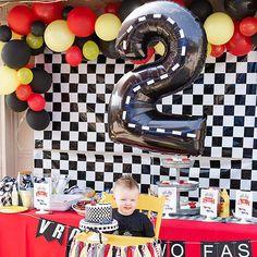 2nd Birthday Party For Boys, Race Car Birthday, Race Car Party, Cars Birthday Parties, Hot Wheels Birthday, Car Themed Birthday Party, Birthday Ideas, Car Themed Parties, Birthdays