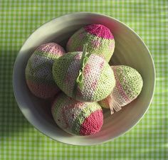 A great way for using up small yarn scraps.