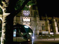 Bordeaux cathédrale et tramway