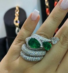 Stacking up Verdi Gioielli dazzling collection of diamond and emerald rings, available exclusively to #MiaMoonJewellers in #Bahrain