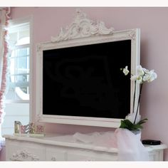 Petite Paris TV Frame, love this in my little girls room