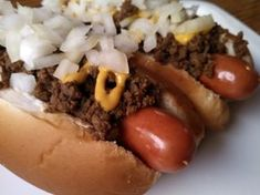 """Recipe for """"Gillie's Coney Island Chili Dogs"""", a Flint Style Coney Sauce - Flint Coney Resource Site Flint Coney Sauce Recipe, Coney Dog Sauce, Hot Dog Sauce, Hot Dog Chili, Chili Dogs, Sauce Recipes, Beef Recipes, Cooking Recipes, Copycat Recipes"""