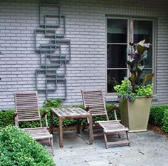 Patio And Outdoor Furniture Ideas And Types – The Homeward View Mid Century Landscaping, Modern Landscaping, Landscaping Ideas, Lush, Mid Century Exterior, Wordpress, Decorative Screens, Outdoor Furniture Sets, Outdoor Decor