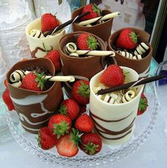 Cups made of chocolate and strawberries!!