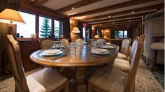 Chalet Dining Area - Comfort Table for 10