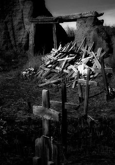 old taos cemetery, new mexico Cemetery Headstones, Old Cemeteries, Cemetery Art, Graveyards, Land Of Enchantment, Abandoned Places, Abandoned Churches, Coffin, Funeral