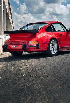 Porsche 911 Turbo by RUF