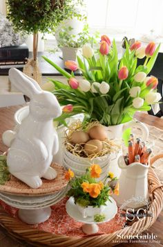 StoneGable: SPRING FARMHOUSE KITCHEN VIGNETTE Easter Decor, Easter Ideas, Easter Recipes, Easter Crafts For Kids, Crafts To Do, Farmhouse Style, Tulip Bouquet, Spring Bouquet, Easter Dinner