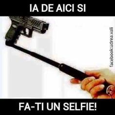 Selfies, Facebook, Humor, Funny, Journal, Humour, Moon Moon, Journal Entries, Comedy