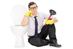 Une astuce insolite pour déboucher les toilettesnoté 3.6 - 25 votes Les toilettes bouchées sont vraiment une sacrée tuile! Néanmoins, il fallait bien que votre enthousiasme au moment de vous servir trop généreusement en papier toilette se paye un jour et ce jour, c'est aujourd'hui. Mention spéciale à ceux qui jettent des choses qu'ils ne … More