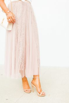 3 Essential Details for your Girly Style Boho Summer Outfits, Summer Fashion For Teens, Fashion For Women Over 40, Spring Fashion Trends, Fall Fashion Outfits, Celebrity Fashion Looks, Celebrity Style Casual, Celebrity Outfits, Fashion 2020